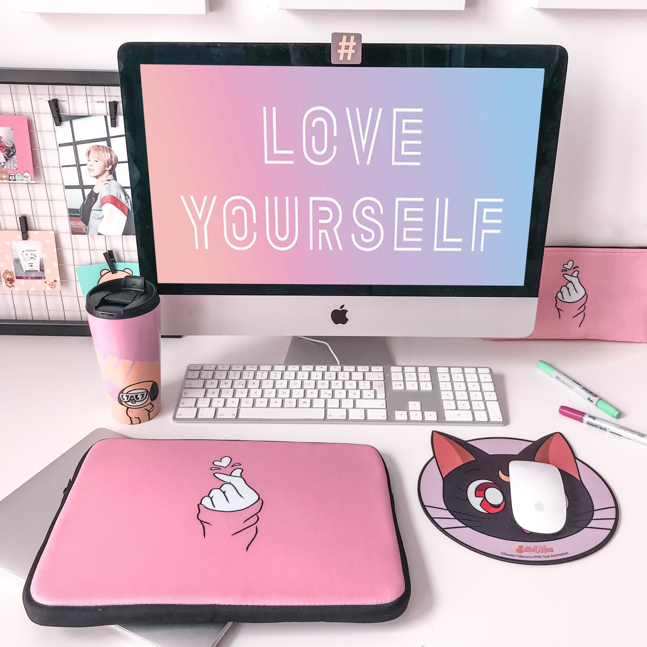 Desk decor with personalized mouse pad