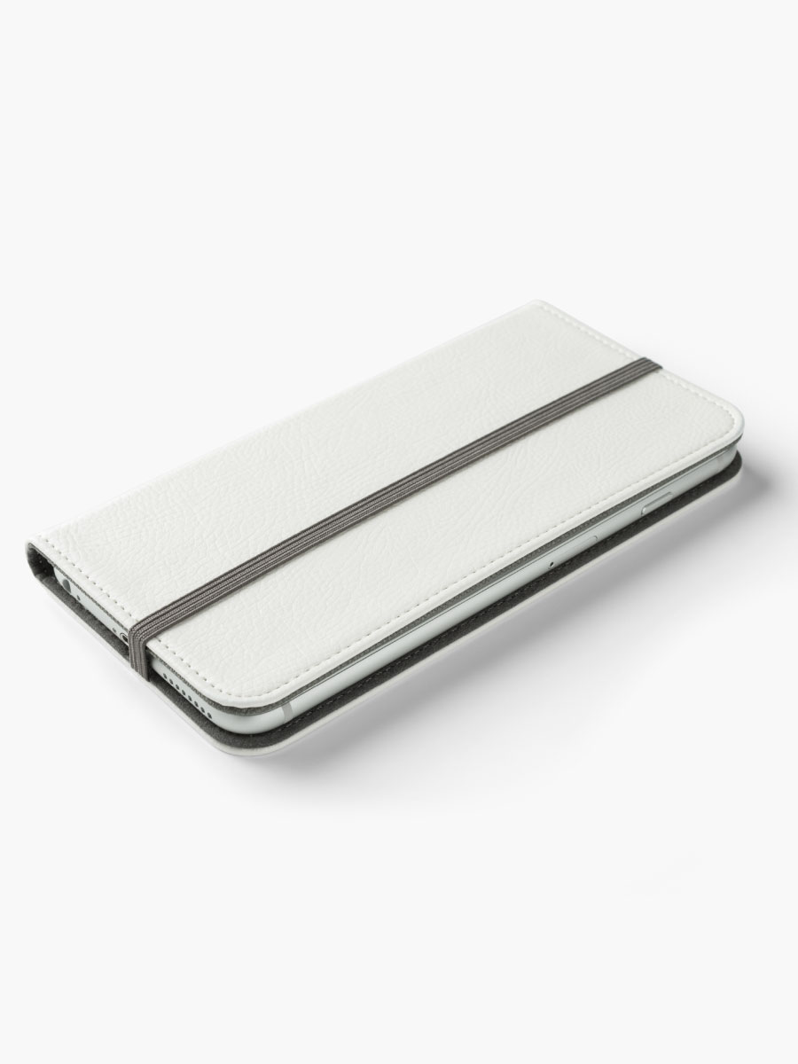 Alternate view of Untitled iPhone Wallet